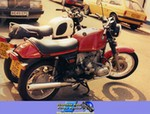 Production (Stock) BMW R100 Models, 2 BMW Twins by morrisoxford61