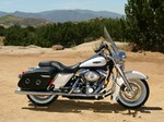 Production (Stock) Harley-Davidson Road King, Harley-Davidson Road King - Harley-Davidson FLHRC Road King Classic 1600 x 1200 wallpaper Source: <a href='http://www.bikewalls.com/wallpaper/Harley-Davidson_FLHRC_Road_King_Classic/31505231/1600x1200.html' target='_blank'>http://www.bikewalls.com/...</a>
