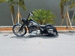Production (Stock) Harley-Davidson Road King, Harley-Davidson Road King - Road King – Harley Davidson Bike Pics Source: <a href='https://harleydavidsonbikepics.com/tag/road-king/' target='_blank'>https://harleydavidsonbikepics.com/...</a>