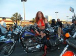 Women Harley-Davidson FXD Models, Hot babe with a Harley Davidson FXDWG motorcycle!